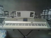 Продам Yamaha Portable Grand DGX-305