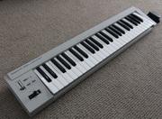 Продам миди-клавиатуру Roland PC-200mkII