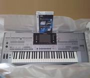 Продам синтезатор Yamaha Tyros 5-61