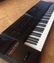 Продам синтезатор Roland G800